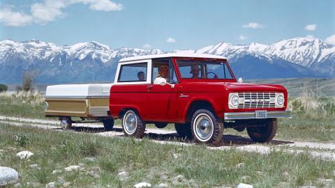 Autos  Históricos 1966_Ford_Bronco_wTrail.jpg