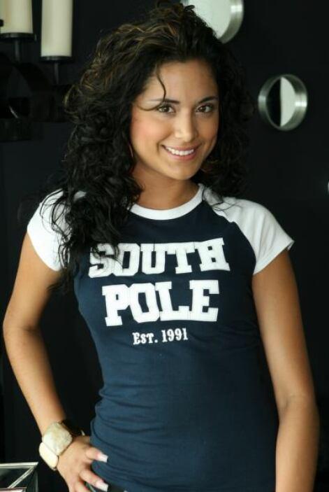 Mayra es cantante y tiene tres discos.