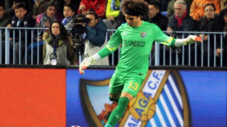 El arquero mexicano ya fue titular en los duelos ante Deportivo la Coruñ...