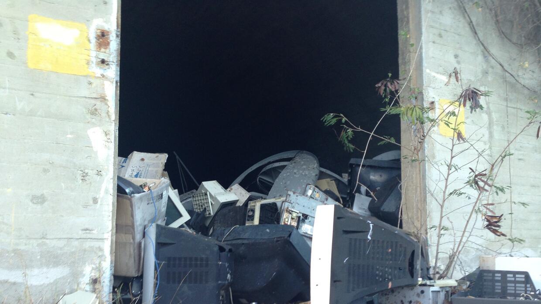 "Zona abandonada de los ""bunkers"" de la Marina en Vieques"