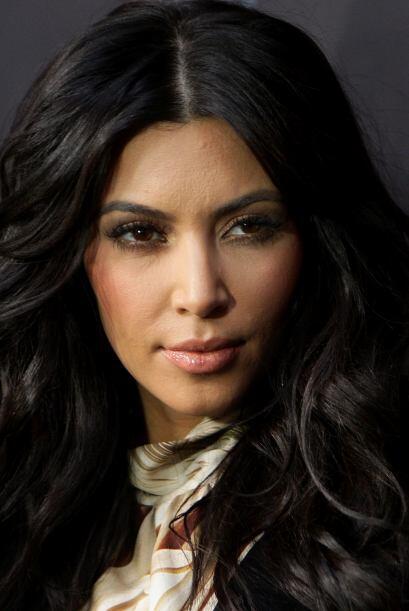 Lo único que quedó de frondoso en la imagen de Kim Kardashian fue su cue...