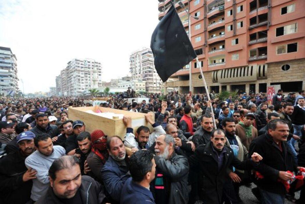 En esa última ciudad los disturbios comenzaron el sábado por la condena...