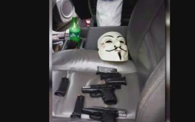 Detienen a un sujeto armado y enmascarado que amenazaba a una estación d...