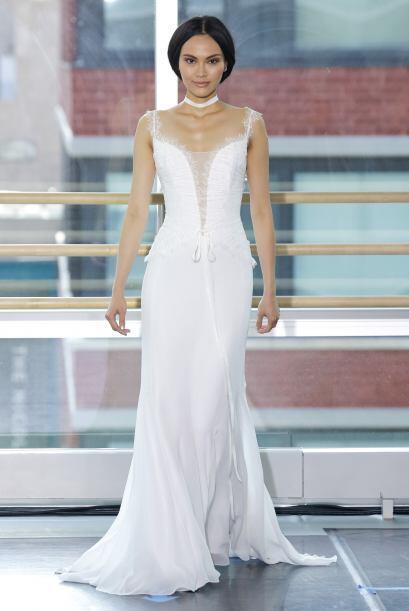 El término no quiere decir que llevarás un vestido cualquiera, más bien...