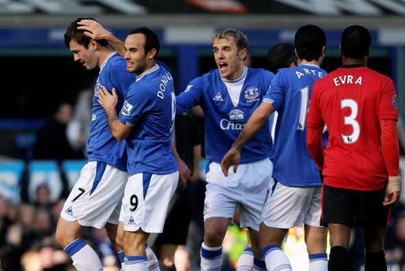 Tres goles hizo el Everton para darle la vuelta al marcador y aplastar a...