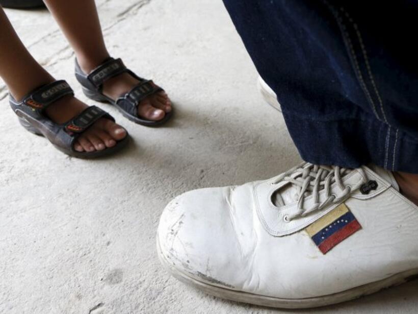 Jeison Rodríguez es el hombre con los pies más grandes del mundo
