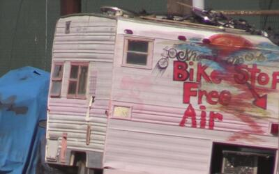 Incremento de casas rodantes en Oakland refleja la crisis de vivienda