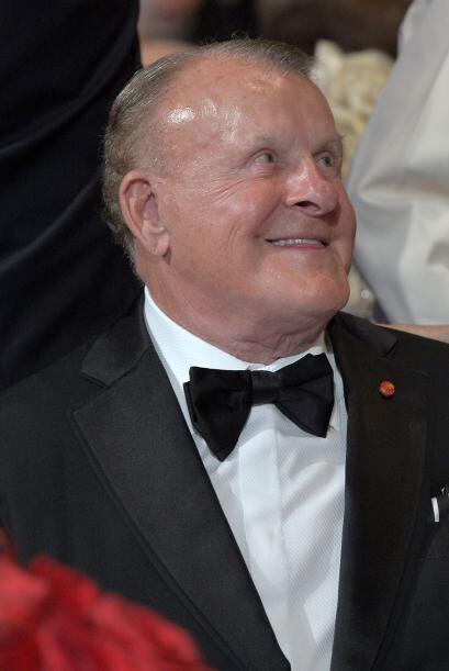 ARIZONA.  El fundador de Discount Tire, Bruce Halle, tiene una fortuna e...