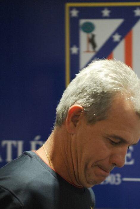 El 3 de febrero de 2009, fue destituido como entrenador del Atlético de...