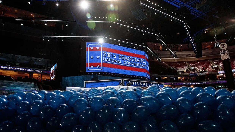 Un recorrido en el Wells Fargo Arena días antes de la Convención Naciona...