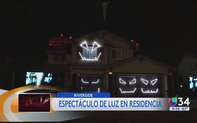 Residencia de Riverside atrae a decenas con su espectáculo de luces