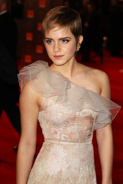 A Emma Watson le resulta difícil balancear su emergente carrera c...