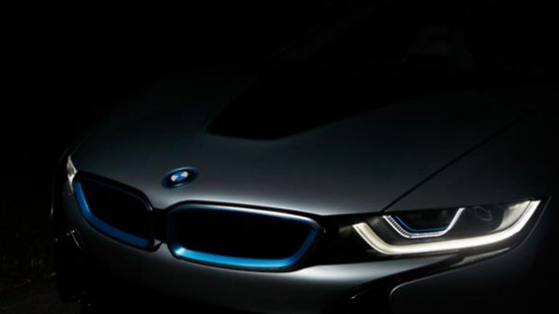 El i8 utiliza lo último de la tecnología de BMW, incluyendo los faros.