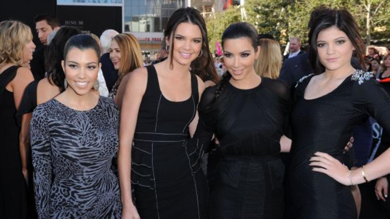 Kendall y Kylie Jenner, las hermanas menores de Kim, respondieron a las...