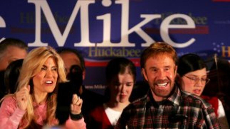 Chuck Norris apoya a Mike Huckabee en campaña 2008