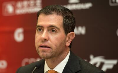 Alfredo Castillo pone su renuncia en la mesa