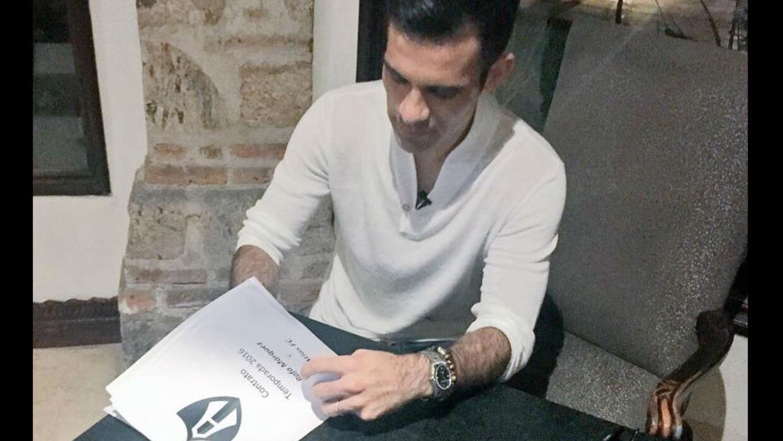 Rafael Márquez ya firmó su contrato con Atlas