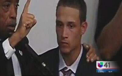 Testigo del caso Garner bajo arresto por portación de arma de fuego