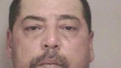 Elias Acevedo Jr., vecino del asesino/secuestrador Ariel Castro, acusado...
