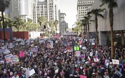 Marcha multitudinaria de mujeres contra Donald Trump en Los Ángel...