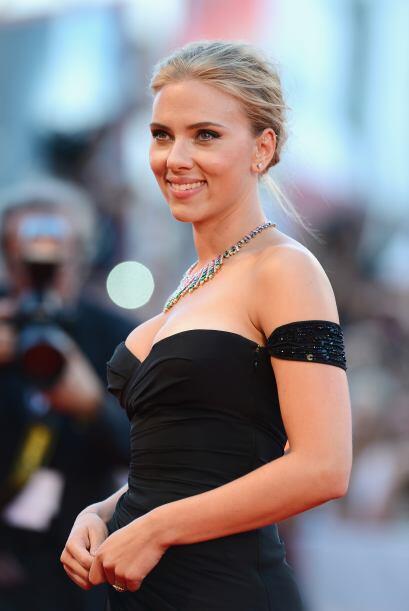 Scarlett Johansson no ha tenido una vida amorosa nada sencilla.  Aqu&iac...