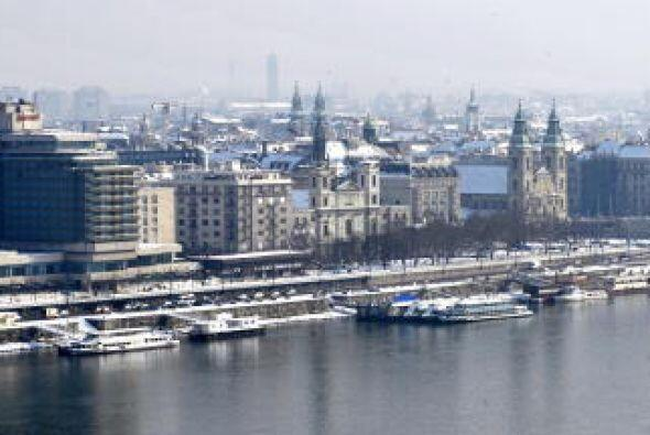 Budapest, Hungría.  Una noche completa en un hotel de cuatro estr...