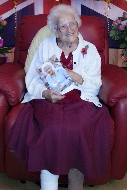 Annie cumplió nada menos que 111 años, siendo así una de las personas má...