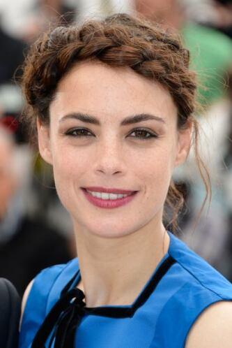 ¿En qué se parecen Berenice Bejo y Frida Kahlo, a parte del peinado? En...