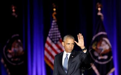 El presidente Barack Obama se despide tras ofrecer su último disc...