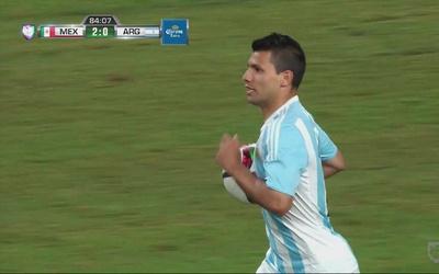 Muñoz sale sin sentido por un balón y Argentina anota
