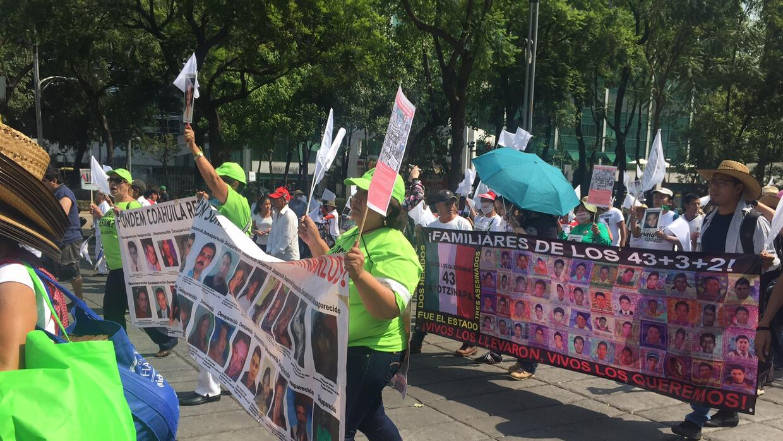 Madres marchan por sus hijos desaparecidos en la Ciudad de México