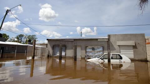 Paraguay urge a evacuar una ciudad entera ante peligro de inundación arg...