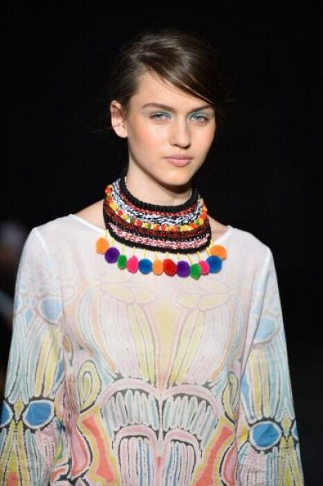 Inspírate también en los collares que usan algunas 'tribus' indias. Lo t...