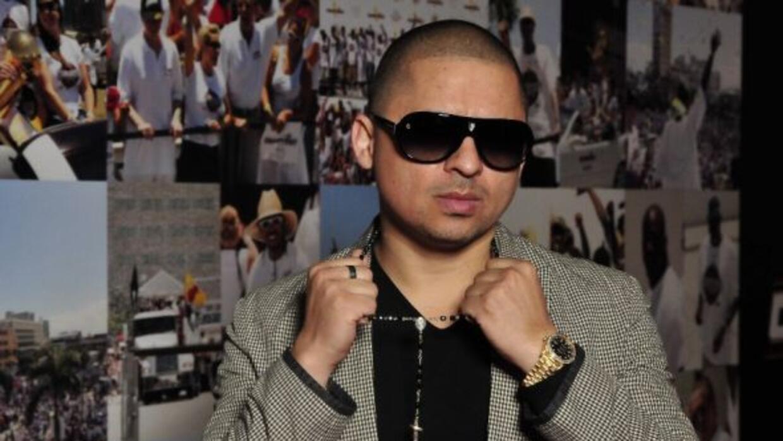 ¡Larry Hernández está de estreno! Lanzó su nuevo tema 'Gente VIP' ¡Escúc...