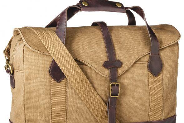 Para un día de campo o de golf, esta maleta en color Khaki le enc...