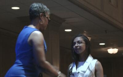 El Distrito Escolar de Houston premia a los mejores estudiantes de la pr...