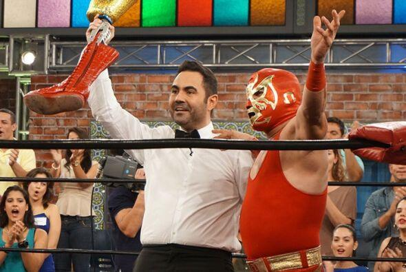 Este simpático gladiador se ganó al público por su cátedra de lucha y gr...