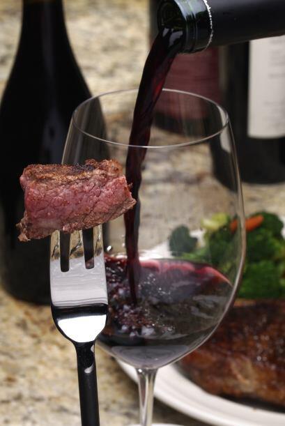 Por ejemplo: un Cabernet Sauvignon se lleva fabulosamente bien con una j...