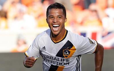 LA Galaxy golea 4-1 a Houston Dynamo con doblete de Giovani dos Santos.