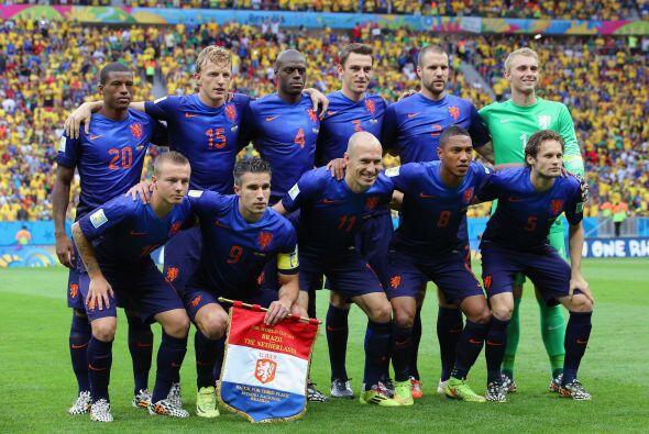 Tras la caída en Italia, Hiddink pensó que lo mejor que po...