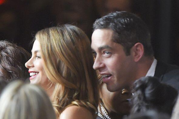 Nick le habló al oído a Vergara, durante la presentación Angel Ball en N...