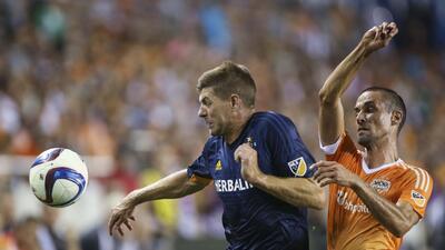 """En el debut de Érick """"Cubo"""" Torres, Houston Dynamo golea 3-0 a LA Galaxy"""