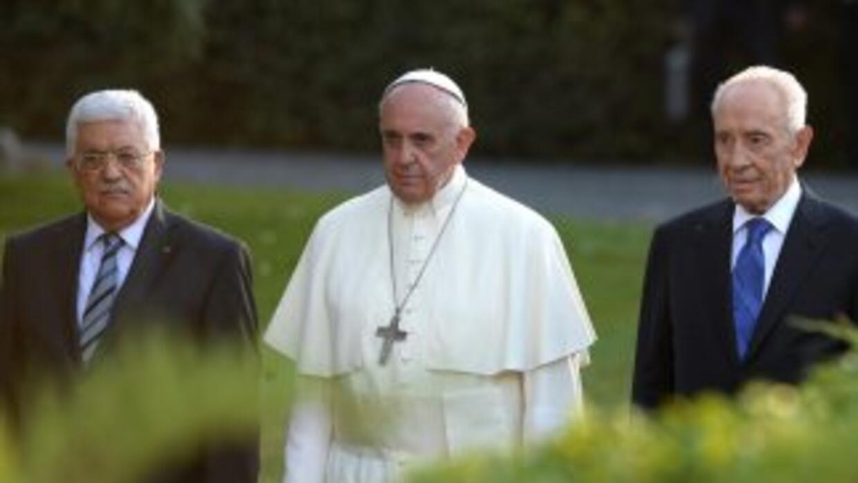 El acto con el que el papa Francisco, el presidente israelí, Simón Peres...
