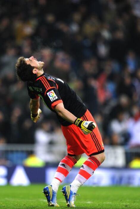 Todo el Brenabéu celebró con alivio.