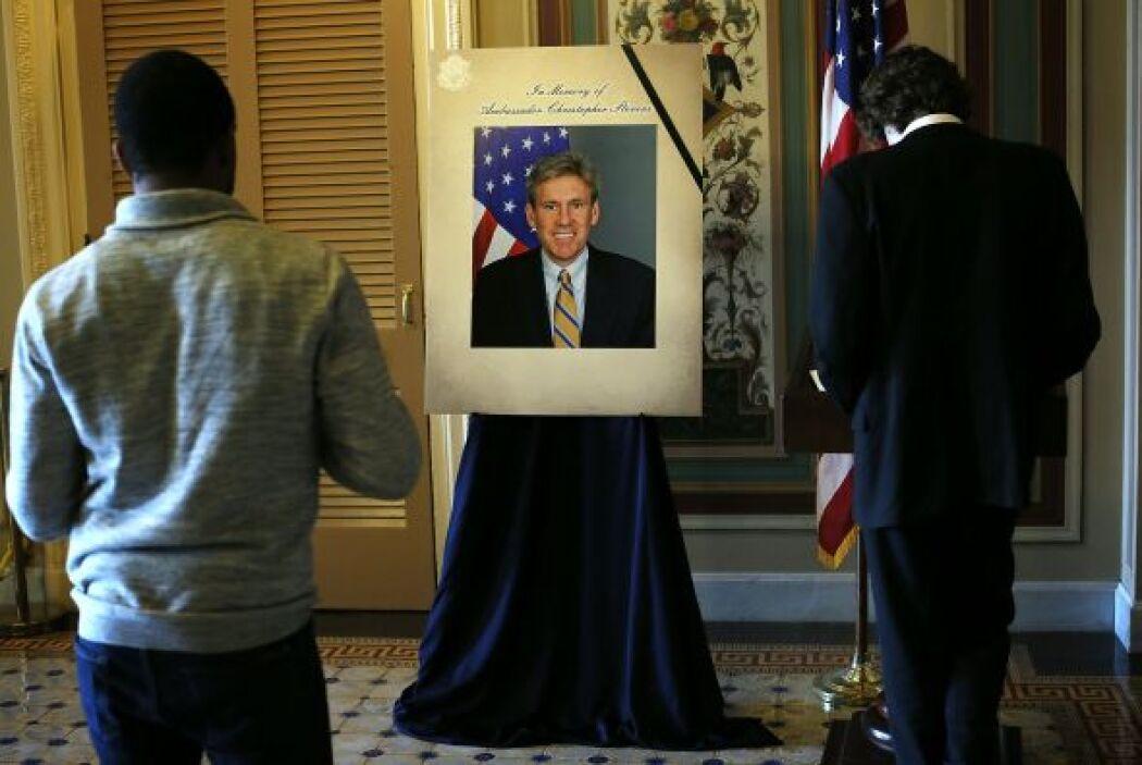 Septiembre 11- El embajador de Estados Unidos en Libia, Chris Stevens, y...