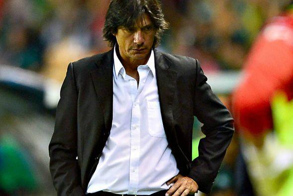 El puesto del argentino Ángel David Comizzo está en peligro debido a los...