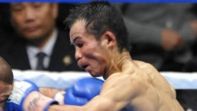 Pongsaklek Wonjongkam retuvo el cinturón mosca CMB