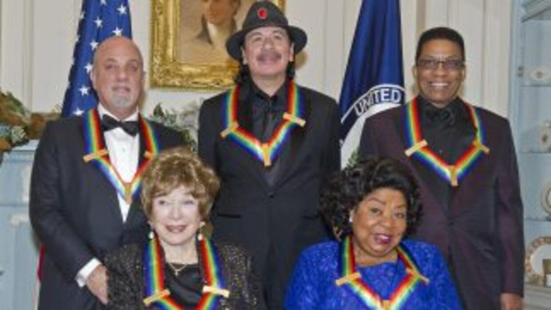 Carlos Santana, Billy Joel, la actrizShirley MacLaine, el tecladistaHe...