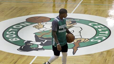 Los jugadores de los Celtics no sabían de la amenaza hasta aterri...