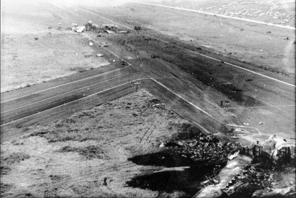 """1. España 1977 """" Dos aviones chocan en la autopista del Aero..."""